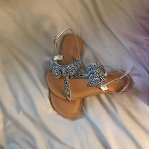 Ladies ShoeDazzle Sandals with bow